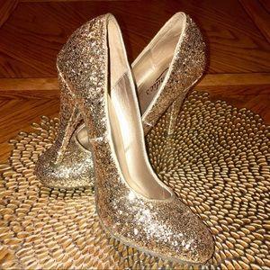 Candie's Gold Pumps / Heels